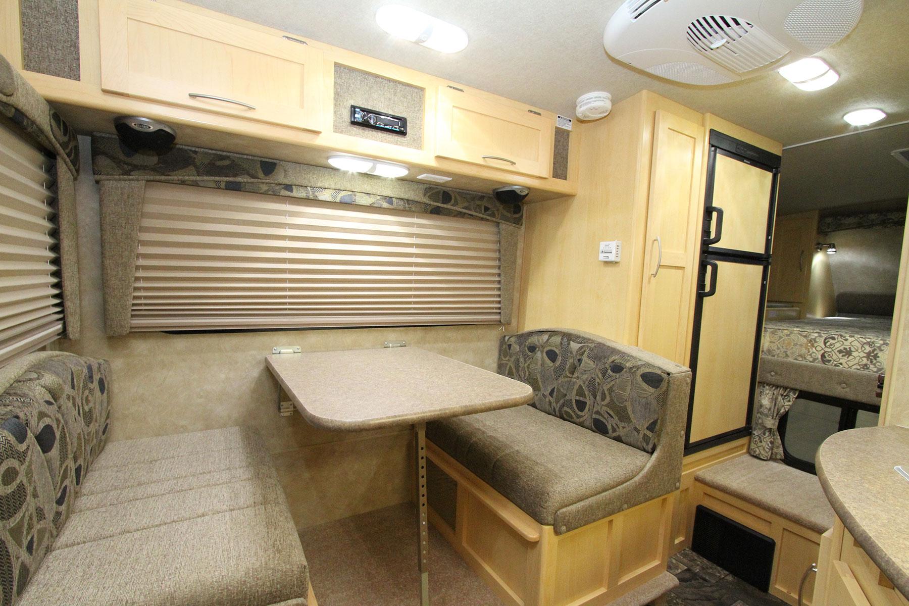 2500-Truck Camper 2500 94 - Interior View-Interior-3